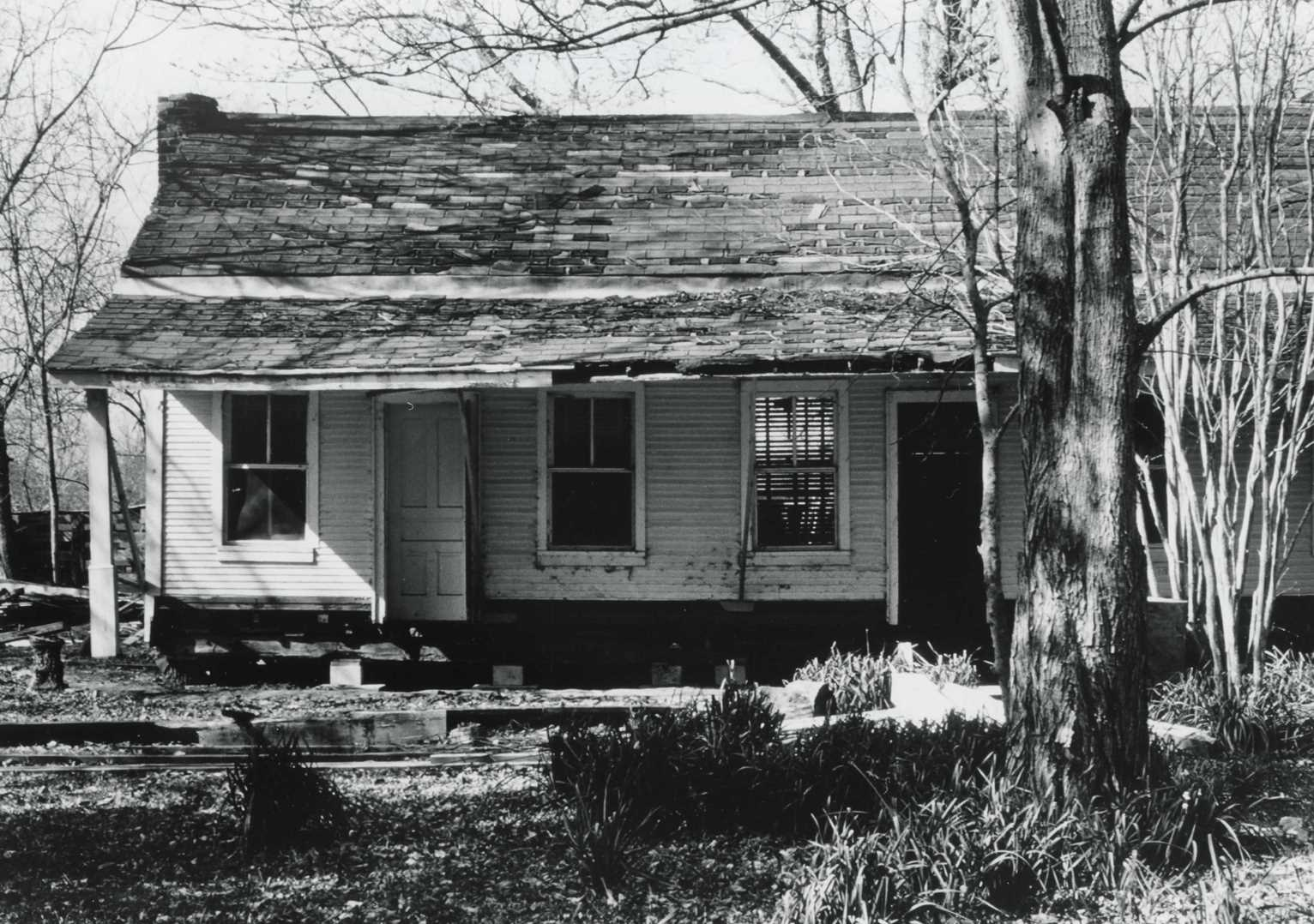 McCroskey-Stringfellow House/John McCroskey Cabin ca. 1975. (John McCroskey Cabin National Register of Historic Places Nomination Form, THC).
